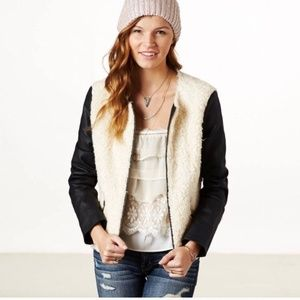 American Eagle faux leather sherpa jacket small